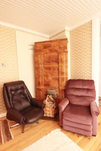 Fireplace on TV-room